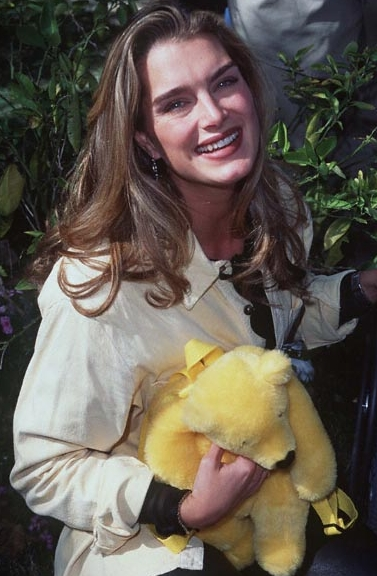 BrookeShields ... is what shines most in FF): they always have plot twists, mature stories ...